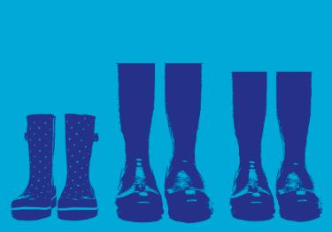 Calzado de diferente tamaño reflejando la unidad familiar
