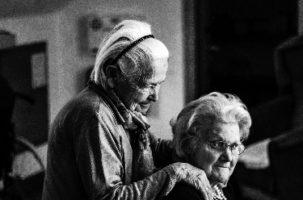 Mejora insuficiente de la atención a la dependencia