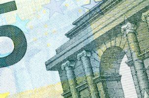 Dos propuestas para la reforma del sistema de garantía de rentas